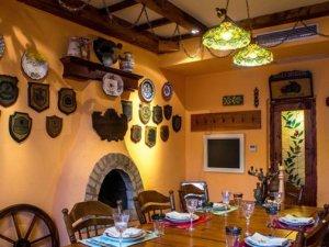 地中海风格硅藻泥效果图 黄色硅藻泥餐厅图片