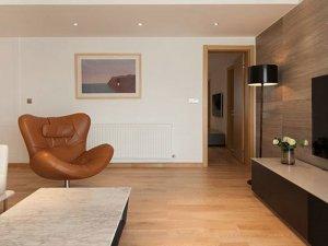 现代简约硅藻泥墙面图片 客厅白色硅藻泥墙面装修效果图